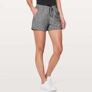 Lululemon Spring Break Away Shorts Size 4